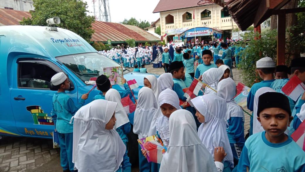 Tumbuhkan Minat Baca Ke Min 5 Banda Aceh Dinas Perpustakaan Dan Kearsipan Kota Banda Aceh
